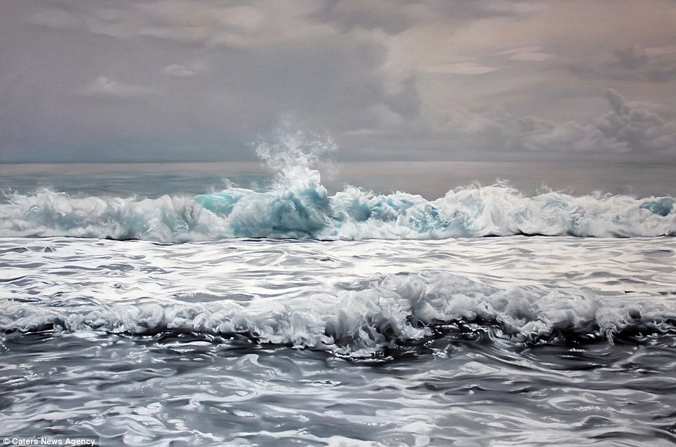 Amazing Realistic Finger Paintings of wave Realistic Finger paintings of Icebergs by Zaria Forman