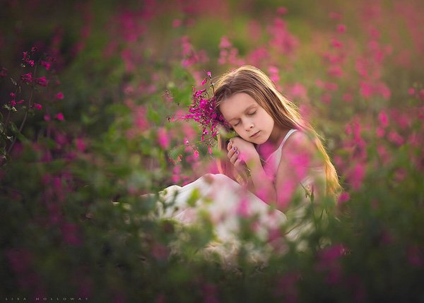 Conceptual children photography poses Lisa Holloway02 Beautiful Capture Moments Of Children's Life by Lisa Holloway