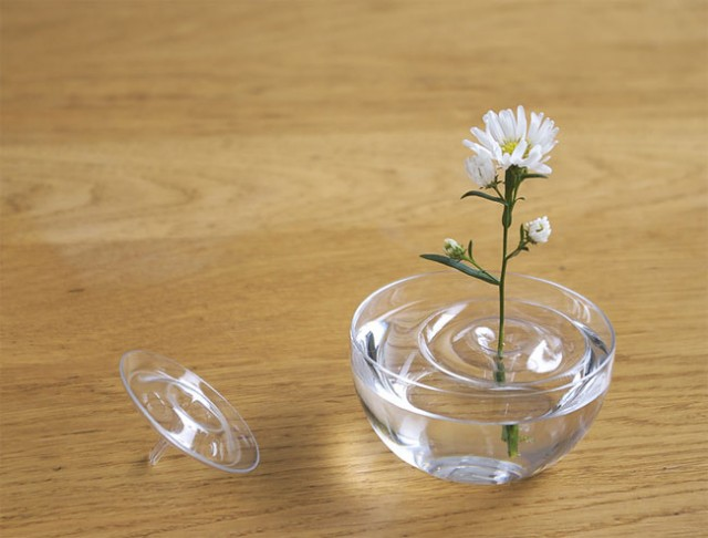 Creative Delicate Floating Vases concept 04 Creative Delicate Floating Vases