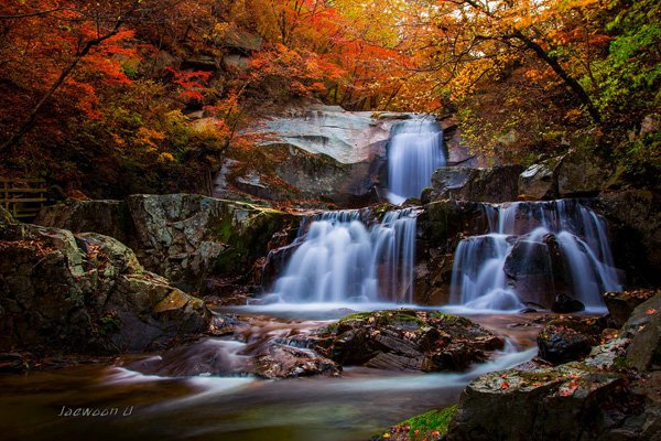 Mind Blowing Autumn falls photography by jaewoon u 01 Mind Blowing Colorful Landscape Photography by Jaewoon u