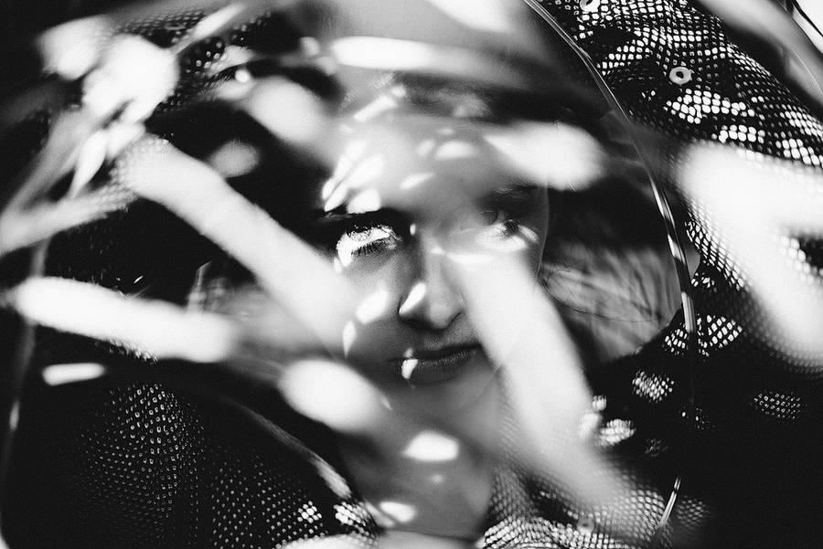 Beautiful Lighting Portraits Idea by Jonashafner Beautiful Lighting For Portraits Photography by Jonas Hafner