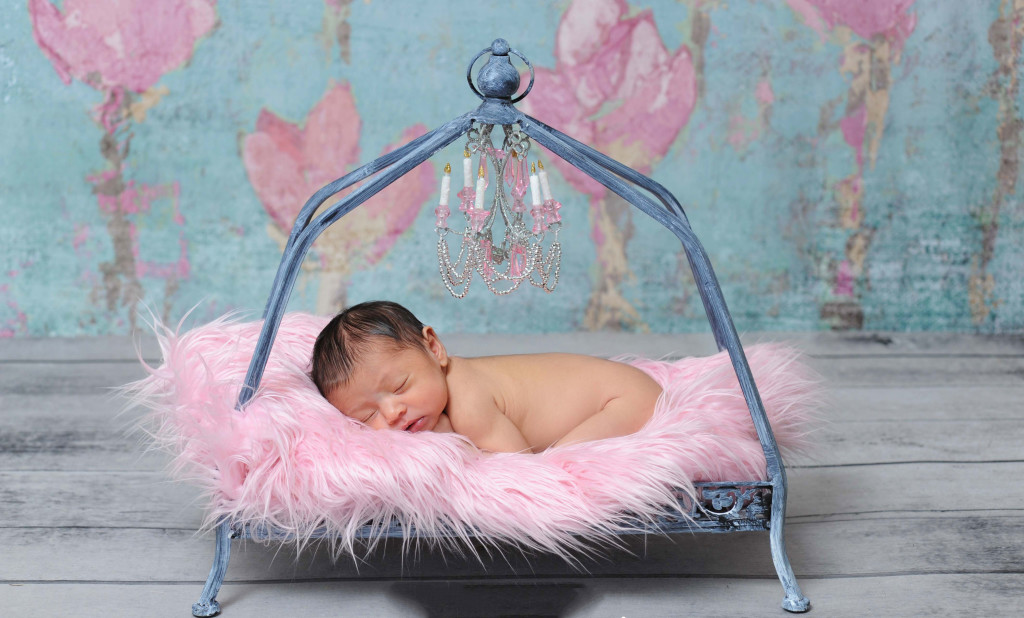 Cute baby sleeping photography 1024x618 13 Cute and Modern Baby Photography