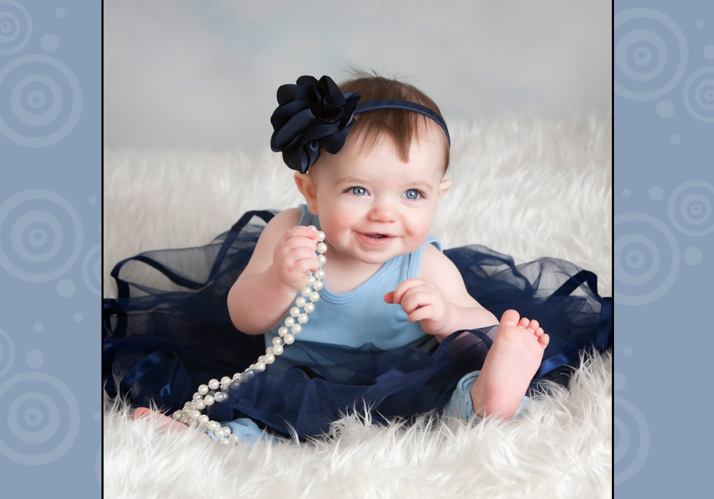Outdoor Cute Baby Poses Photo