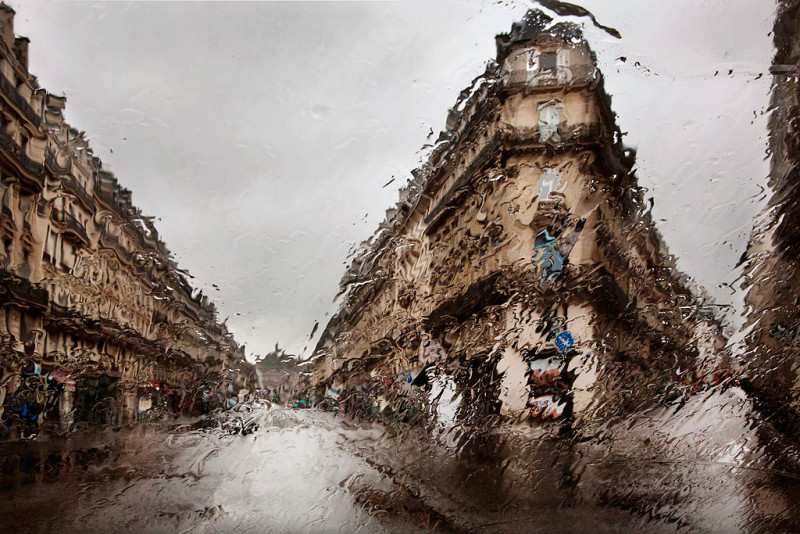 Paris Photo in the rain Christophe Jacrot 002 Beautiful Paris Photo in The Rain by Christophe Jacrot