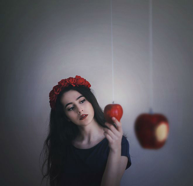 Beautiful Self Portraits Photography by Cansu ûzkaraca Beauty Conceptual Self Portraits Photography by Cansu Özkaraca