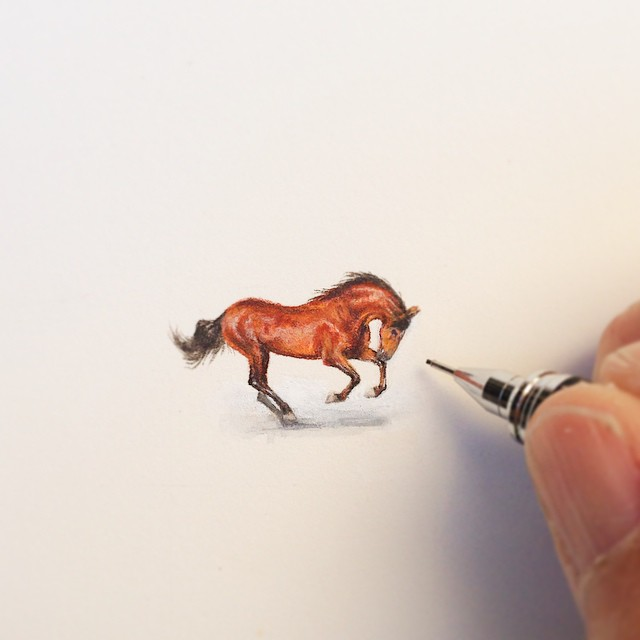 Incredible tiny paintings hourse by karen libecap Incredible Tiny Paintings By Karen Libecap