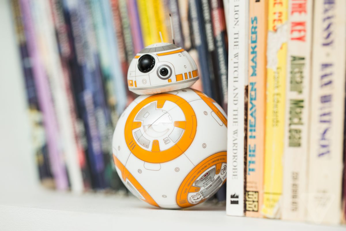 Miniature Star Wars BB-8 Droid