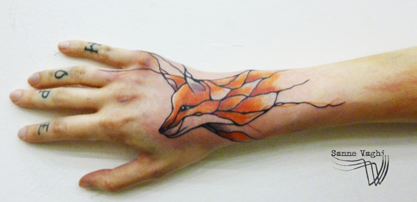 linear animal tattoo 19 Beautiful Tattoos Design That Flowing Naturally In the Body