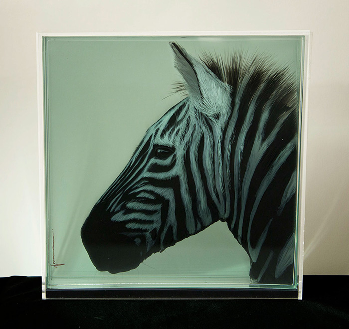3D Paintings by Yosman Botero 3D Paintings of Animals on Layers of Glass by Yosman Botero