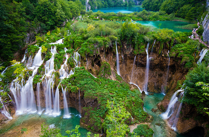 Amazing Waterfalls Around The World Mind blowing Waterfalls Around The World