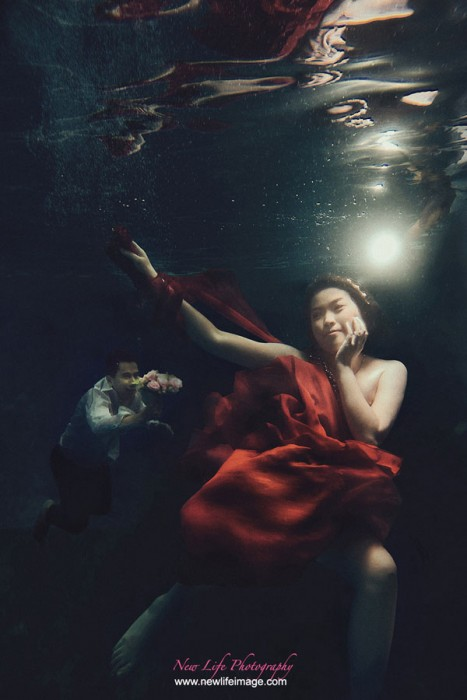 Pre wedding Poses Ideas in Underwater 2