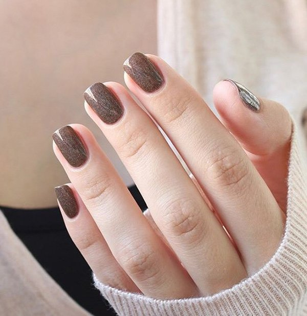 Brown nail art for winter 20 Best and Beauty Nail Art Design Ideas