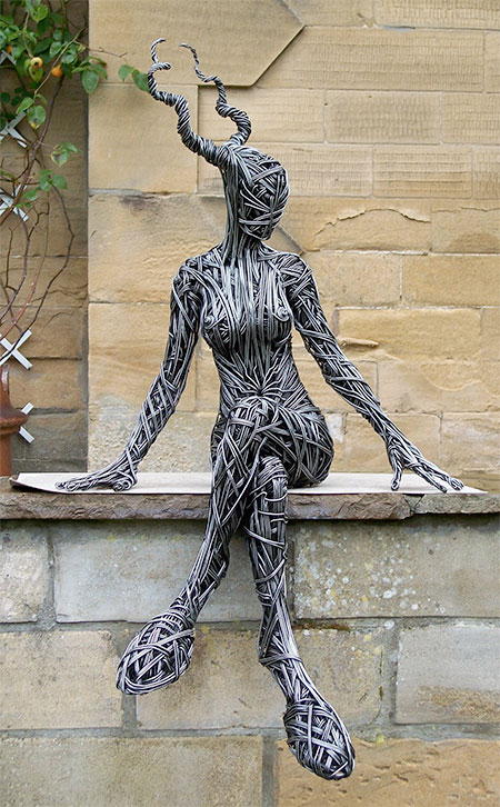 Creative Wire Sclupture Art by Richard Stainthorp Creative Wire Sculpture Art by Richard Stainthorp