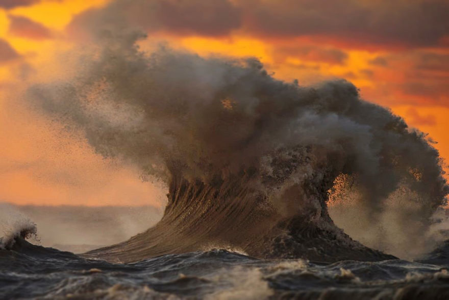 The Freak Liquid Mountains Of Lake Erie by Dave Sandford 04 The Freak Liquid Mountains Of Lake Erie by Dave Sandford