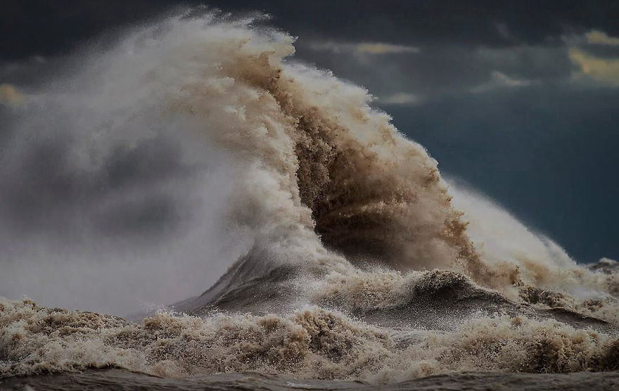The Freak Liquid Mountains Of Lake Erie by Dave Sandford 05 The Freak Liquid Mountains Of Lake Erie by Dave Sandford