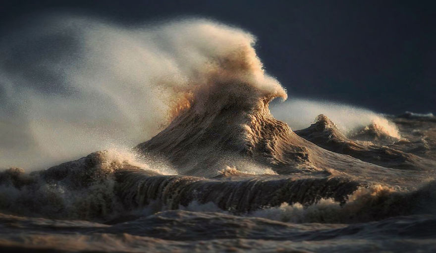The Freak Liquid Mountains Of Lake Erie by Dave Sandford 11 The Freak Liquid Mountains Of Lake Erie by Dave Sandford