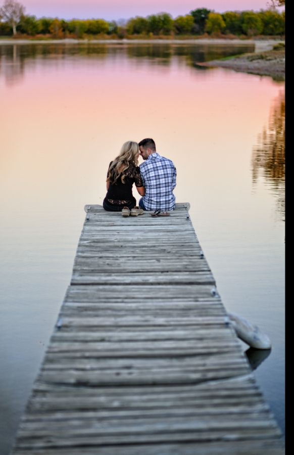Sweet Couple anniversary photo shoot Ideas Couple Anniversary Photo Shoot Ideas