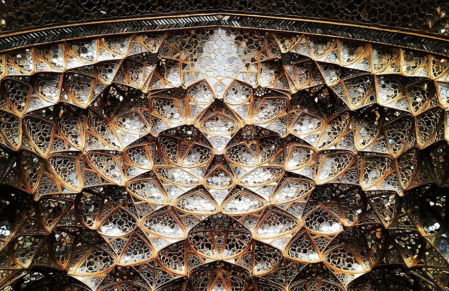 The Hypnotizing Beauty Of Iranian Mosque Ceilings 11 The Hypnotizing Beauty Of Iranian Mosque Ceilings