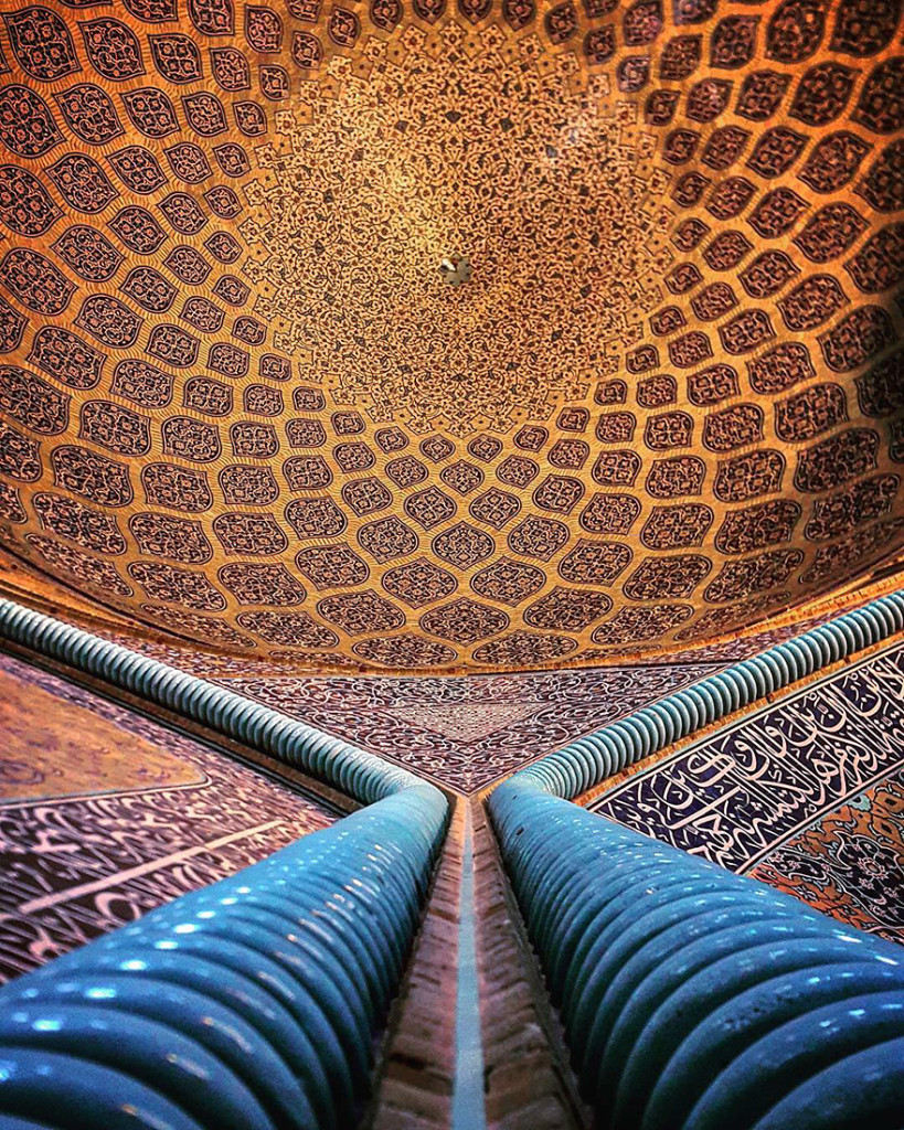 The Hypnotizing Beauty Of Iranian Mosque Ceilings 14 819x1024 The Hypnotizing Beauty Of Iranian Mosque Ceilings