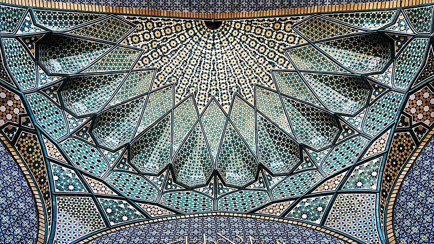 The Hypnotizing Beauty Of Iranian Mosque Ceilings 3 The Hypnotizing Beauty Of Iranian Mosque Ceilings
