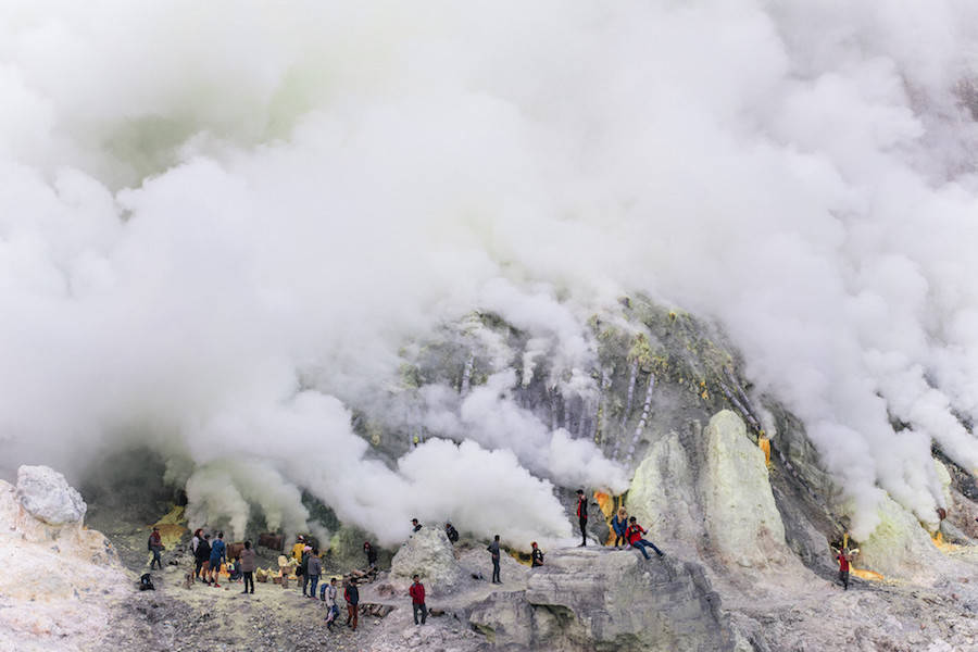 Beautiful Ijen Crater 01 Exploring The Beautiful Place in Java Island