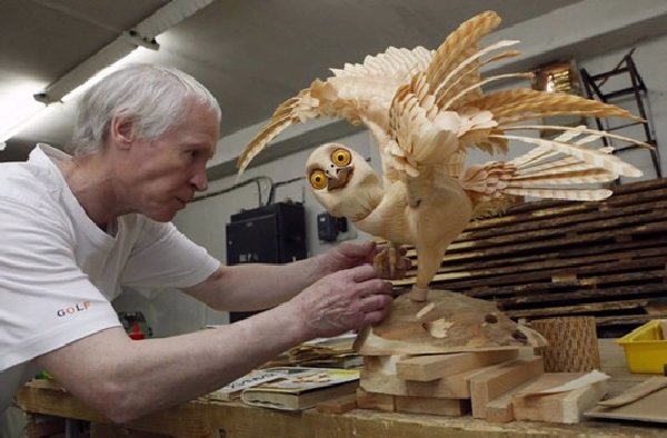 Layers of Cedar Wood Chip Sculptures of Sergei Bobkov 13 Layers of Cedar Wood Chip Sculptures of Sergei Bobkov