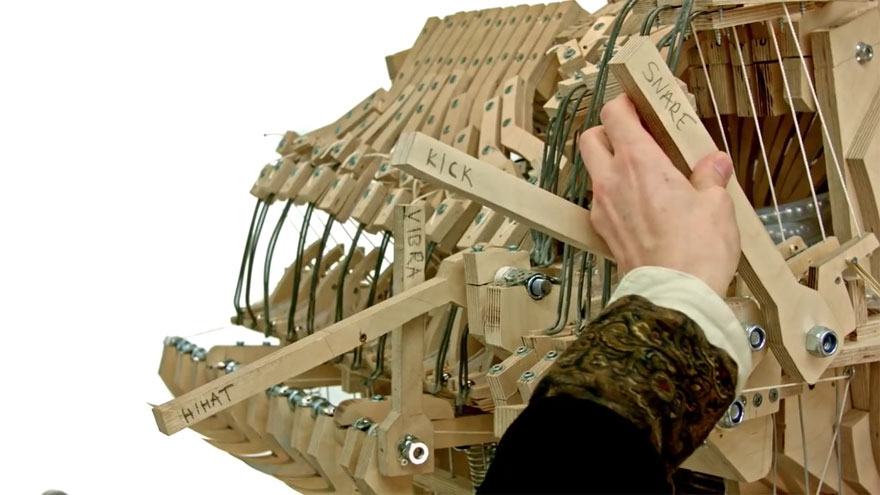 Music Instrument Using 2000 Marbles by Wintergatan 2 Mind blowing Music Instrument Using 2000 Marbles by Wintergatan