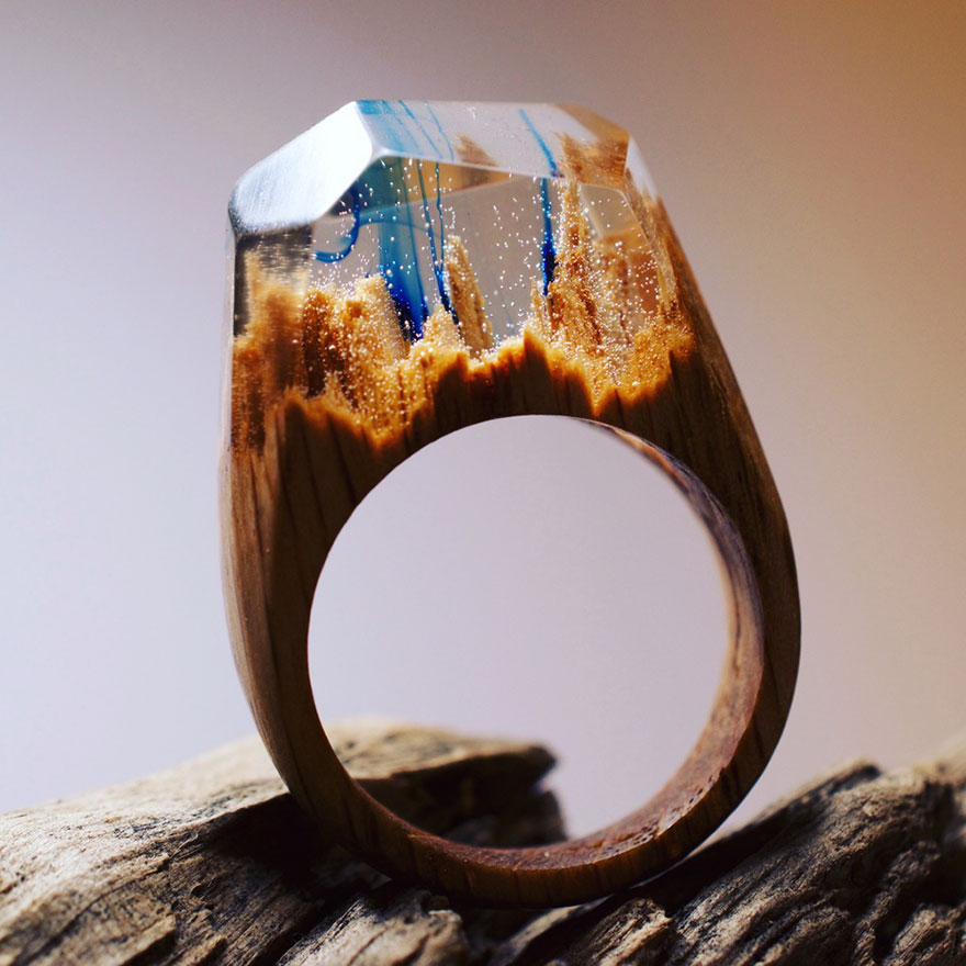 Creative Concept of Wooden Rings 99 Creative Art : Miniature Worlds Inside Wooden Rings