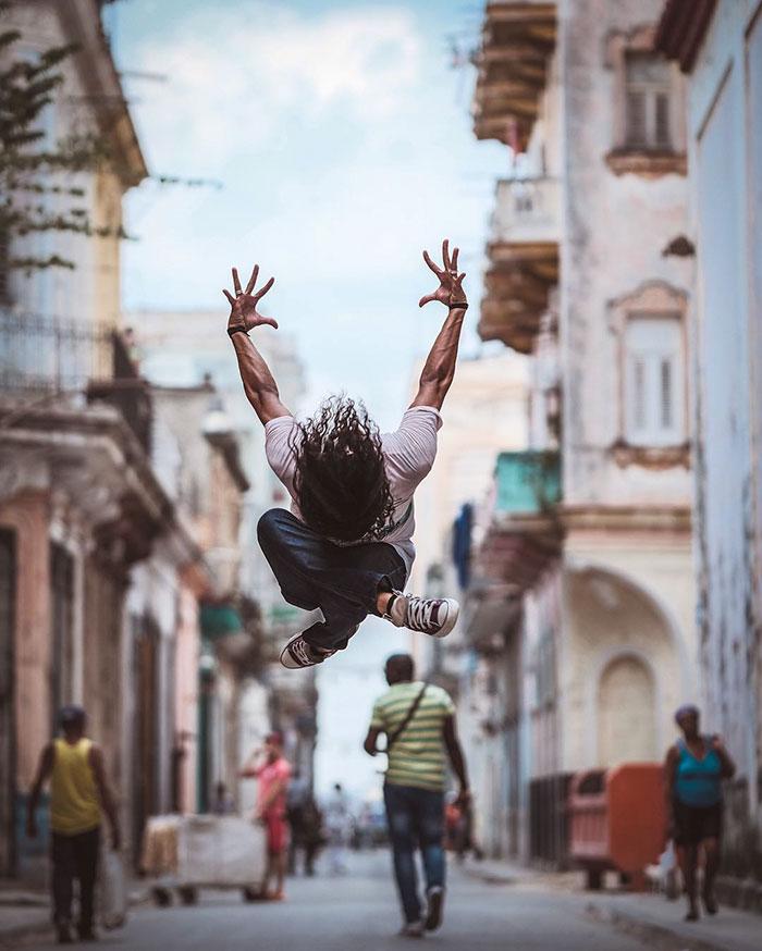 Ballet Dancers Cuba Omar Robles 22 Omar Robles Captures Ballet Dancers Practicing On The Streets Of Cuba