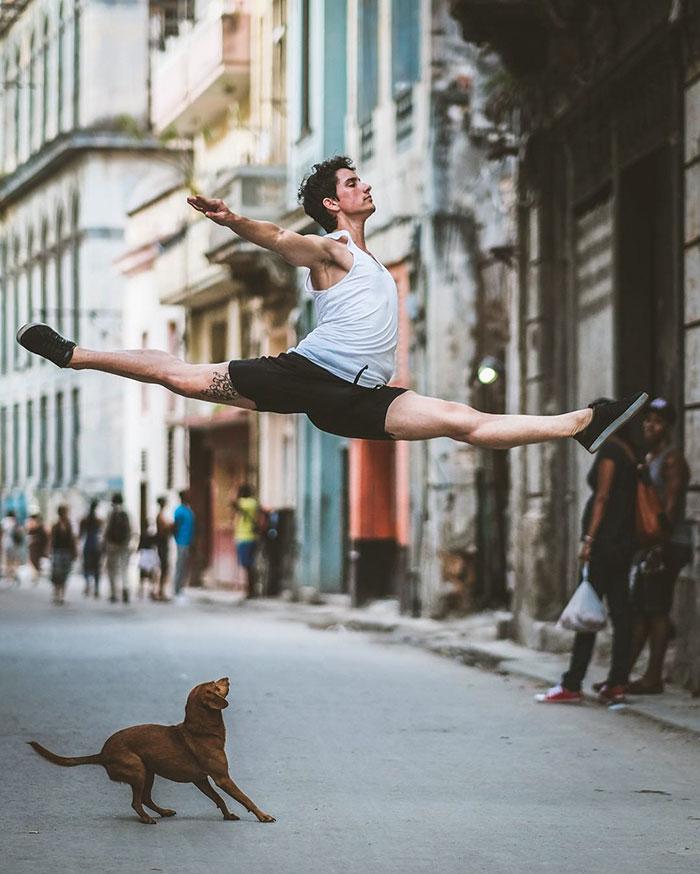 Ballet Dancers Cuba Omar Robles 99 Omar Robles Captures Ballet Dancers Practicing On The Streets Of Cuba
