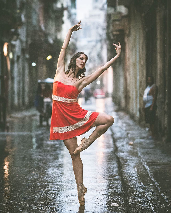 Captures Ballet Dancers Practicing On The Streets by Omar Robles 77