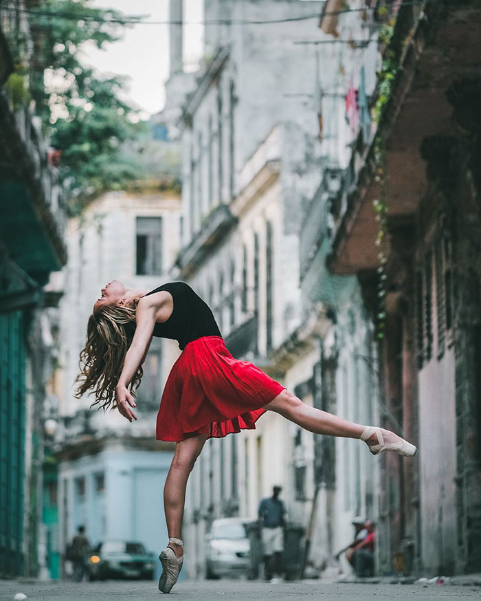 Captures Ballet Dancers Practicing On The Streets by Omar Robles