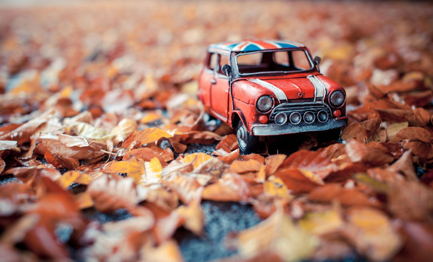 Miniature Toys Photography by Kim Leuenberger Creative and Beautiful Photography ideas With Little Cars