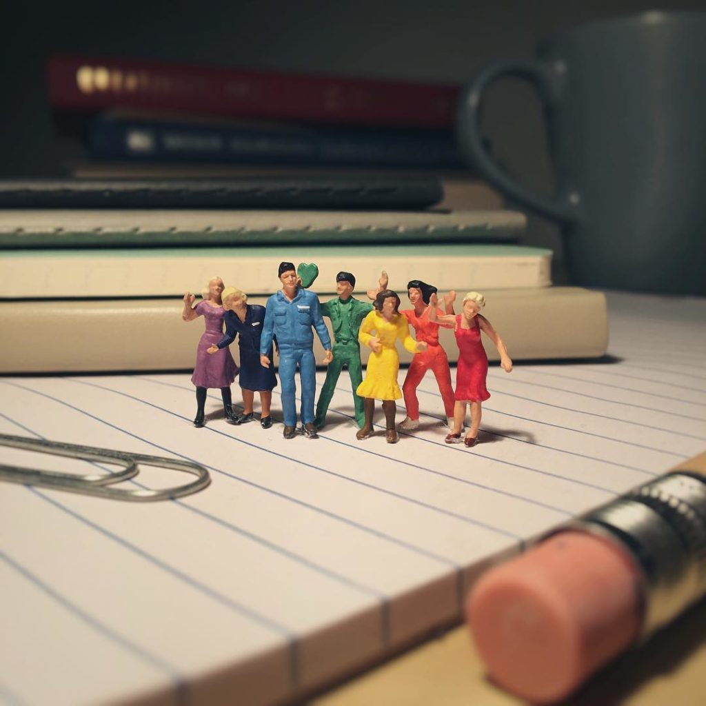 Derrick Lin Turn His Office Life With Miniature Figures 66