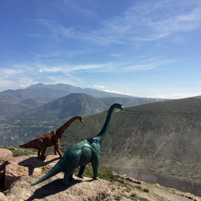 Toy Dinosaurs Turn Tourists in Jorge Saenz's 7 Toy Dinosaurs Turn Tourists in Jorge Saenz's