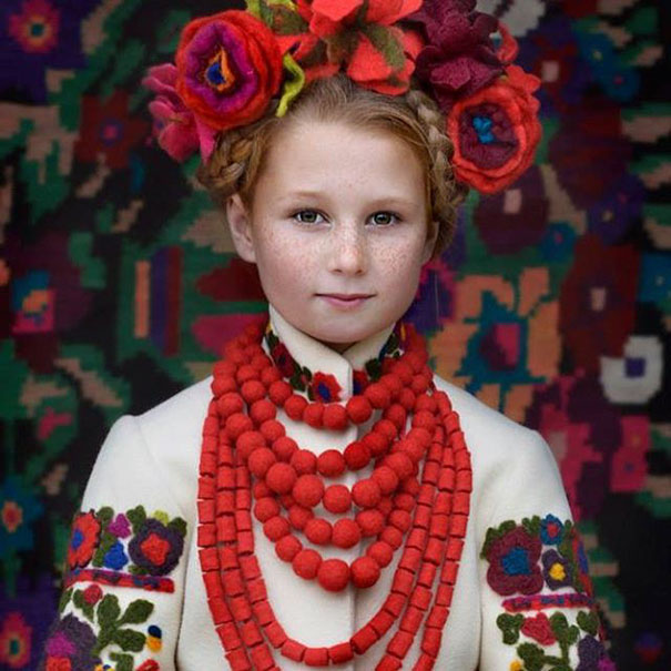 Beauty Traditional ukrainian hats 12 Modern Women Wearing Traditional Ukrainian Crowns Give New Meaning To Ancient Tradition