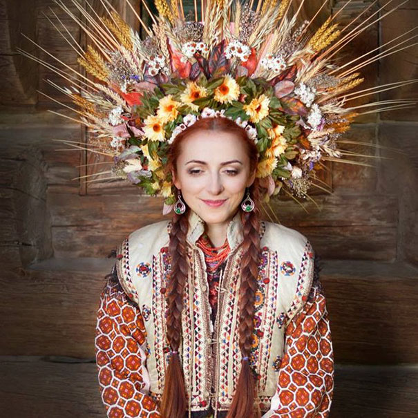 Beauty Traditional ukrainian hats 2 Modern Women Wearing Traditional Ukrainian Crowns Give New Meaning To Ancient Tradition