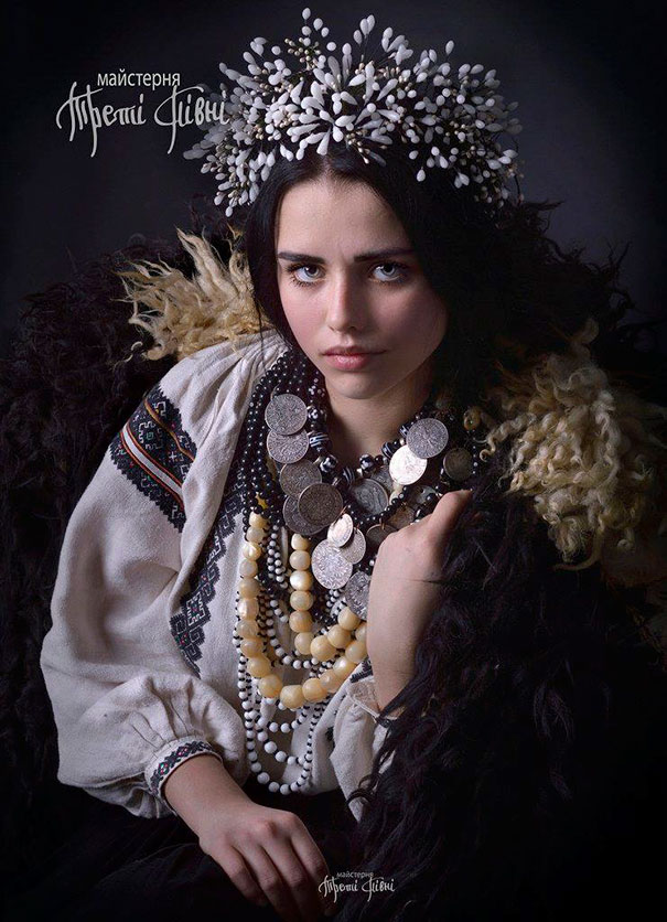 Stunning Traditional ukrainian hats 1 Modern Women Wearing Traditional Ukrainian Crowns Give New Meaning To Ancient Tradition