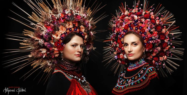 Stunning Traditional ukrainian hats Modern Women Wearing Traditional Ukrainian Crowns Give New Meaning To Ancient Tradition