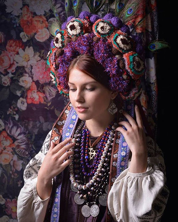 traditional ukrainian crowns treti pivni Modern Women Wearing Traditional Ukrainian Crowns Give New Meaning To Ancient Tradition