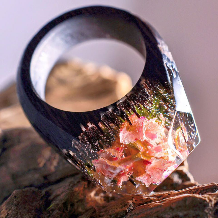 Amazing New Miniature Worlds Inside Wooden Rings 77 New Miniature Worlds Inside Wooden Rings Capture The Beauty Of Different Seasons