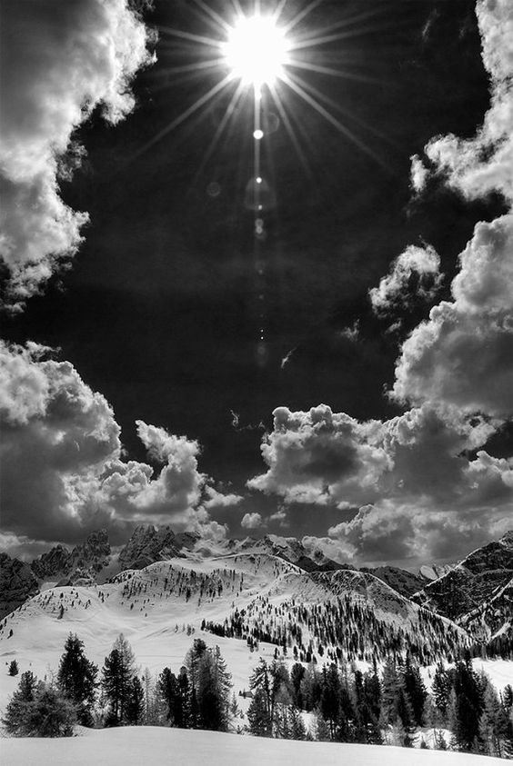 Black and white Skies and Cloudscapes 7 Beautiful Black and White Landscape Photography