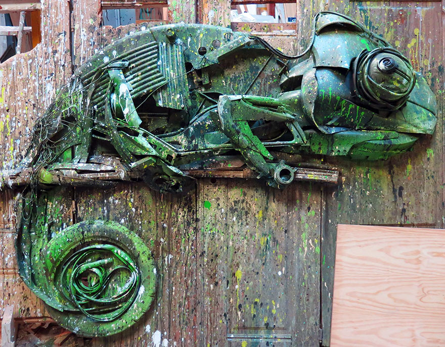 Creative solutions trash animal sculpture artur bordalo 77 Creative Solutions To Remind Us About Pollution