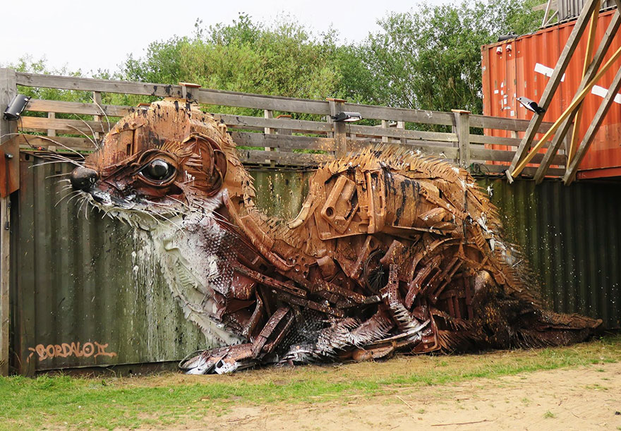 trash animal sculpture artur bordalo Creative Solutions To Remind Us About Pollution