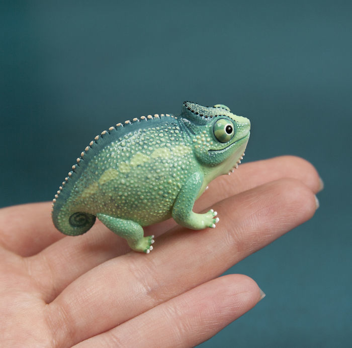 Beautiful Tiny Polymer Clay Animals by Ramalama Creatures Adorably Tiny Polymer Clay Animals That Fit on Your Fingertips