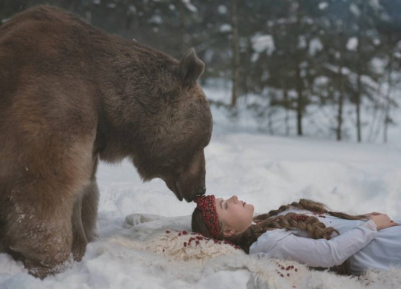 Modelling with Real Life Bear 2 Olga Barantseva Captures Dreamlike Scenes With a 700 Kilogram Bear