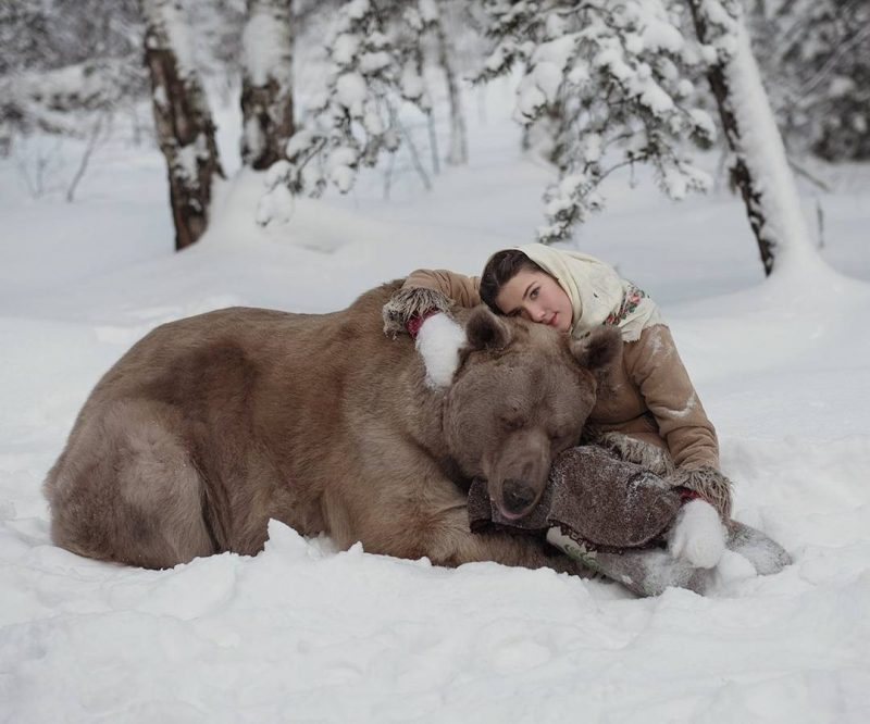 Olga Barantseva Modelling with Real Life Bear Olga Barantseva Captures Dreamlike Scenes With a 700 Kilogram Bear