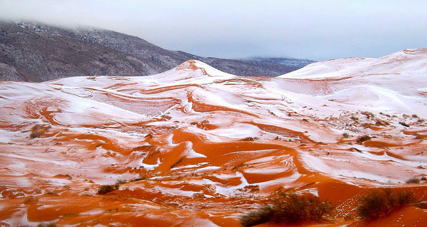 Snow Falls In The Sahara For First Time In Over 37 Years Snow Falls In The Sahara For First Time In Over 37 Years