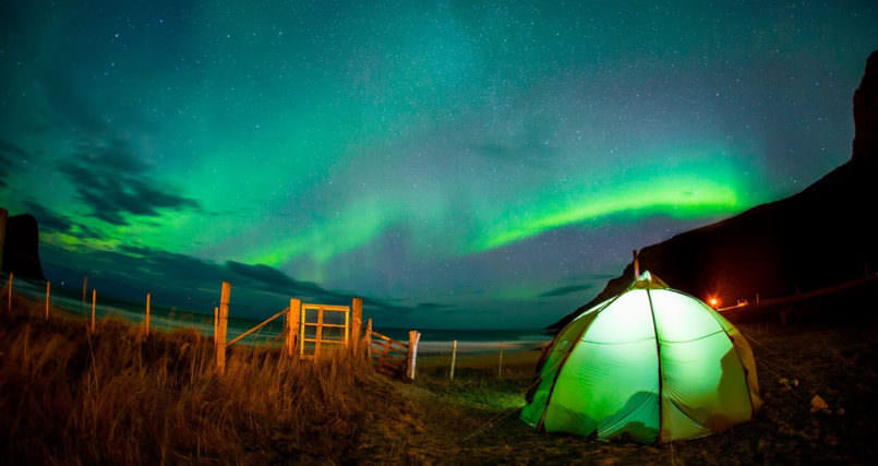 Beautiful Mick Fanning surf under the Northern Lights Mind Blowing Mick Fanning surf under the Northern Lights