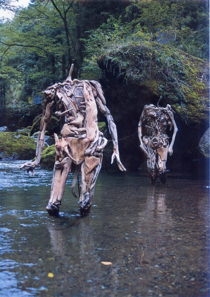 Driftwood Sculptures By Japanese Artist Nagato Iwasaki 724x1024 Haunting Driftwood Sculptures By Japanese Artist Nagato Iwasaki
